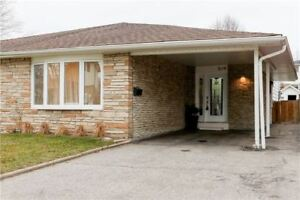 3 +1 Bdrm Home In Applewood - Perfect For Live In Or Investor!!