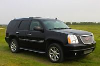 *SOLD* 2007 GMC Yukon Denali AWD SUV LOW KM's !!!