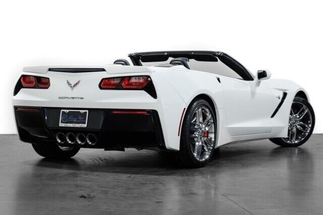 2015 White Chevrolet Corvette  2LT   C7 Corvette Photo 9
