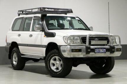 2002 Toyota Landcruiser HZJ105R GXL (4x4) White 5 Speed Manual 4x4 Wagon Bentley Canning Area Preview