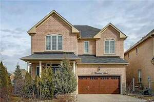 2700 Sq Ft home in Environmentally Protected Oak Ridges!