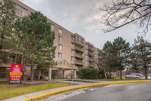 2 Bdrm available at 2500 Cavendish blvd., Montreal