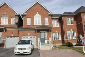 Freehold Townhouse in Richmond Hill! 3+2 Bdrms! Family Nbhd!!