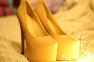 BRAND NEW ultra-high 6 inch heels size 7.5 to 8