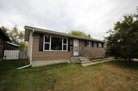 Perfect Starter Home or Revenue Property in Mountview!!