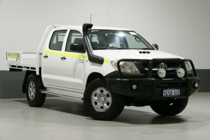 2011 Toyota Hilux KUN26R MY11 Upgrade SR (4x4) White 5 Speed Manual Dual Cab Chassis Bentley Canning Area Preview