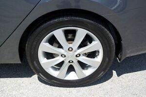 2013 Hyundai Accent Aluminum rims w/tires
