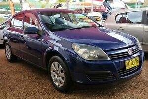 2004 Holden Astra AH CD Blue 5 Speed Manual Hatchback Colyton Penrith Area Preview