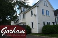LARGE 4 BEDROOM TOWNHOUSE- AUG 1ST - DOWNTOWN - EFFICIENT