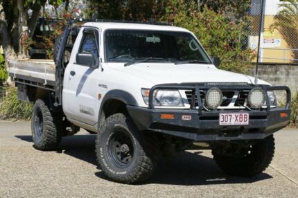 2002 Nissan Patrol GU DX White 5 Speed Manual Cab Chassis Underwood Logan Area Preview