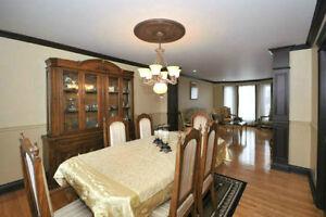 Dinning room set(solid oak) West Island Greater Montréal image 3