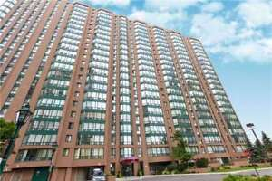 2+1 Bed / 2 Bath Large Corner Unit In Cooksville