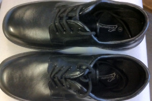 Boys or Mens Dress Shoes Size 8