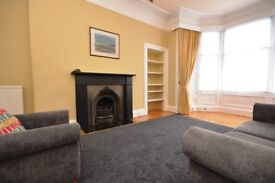 Charming, 1st floor, 2 bedroom, furnished flat in Blackford - available NOW