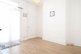 Geneva Road - Very large 3 bedroom house on residential road in Thornton Heath !!