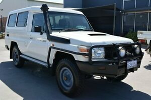 2011 Toyota Landcruiser VDJ78R 09 Upgrade Workmate (4x4) 11 Seat White 5 Speed Manual TroopCarrier Welshpool Canning Area Preview