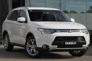 2014 Mitsubishi Outlander ZJ MY14.5 ES (4x4) White Continuous Variable Wagon Old Guildford Fairfield Area Preview