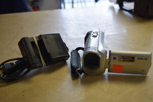 Sony Handycam Camcorder DCR-SX40 with Charger*