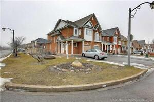 4 Bedroom Semi Detached House for Rent 407/McCowan in Markham