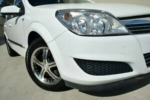 2007 Holden Astra AH MY07.5 CD White 4 Speed Automatic Wagon Pennant Hills Hornsby Area Preview