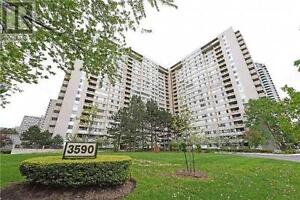 Bright & Spacious,2+1Beds,2Bath,3590 KANEFF Crescent,Mississauga