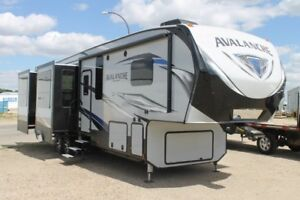 2018 AVALANCHE 370RD FIFTH WHEEL