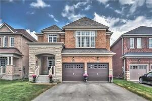 Fabulous Executive Home For A Modern Family!
