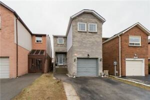 """3 BR 4 WR Detached in  Mississauga, near Mavis And Rathburn are"