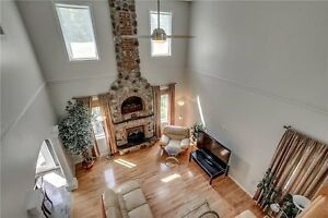 Spacious & Bright 4 Beds,4 Bath Detached House In Waterloo Cambridge Kitchener Area image 5