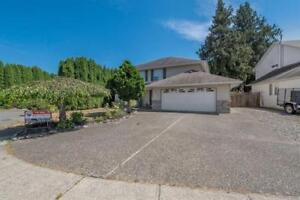 Well maintained in Watson Glen - 44637 Cumberland Ave