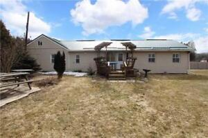 3 Bdrm Bungalow | Open Concept Lr & Dr | Crawl Space Bsmnt