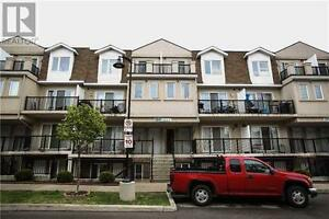 #2064-3041 Finch Ave W Toronto Ontario Must see  house!