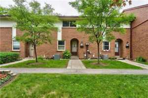 Applewood Condo Townhouse 3 Bed / 2 Bath, Full Bsmnt