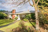 Beautiful 4 bed, 2 bath, 3268 sqft Vancouver House *Open House*