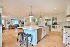Spectacular 4 bed, 3 bath, 2263 sqft Oakville House Oakville / Halton Region Toronto (GTA) image 2