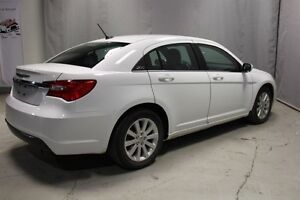 2014 Chrysler 200 TOURING Heated Seats,  A/C, Edmonton Edmonton Area image 4