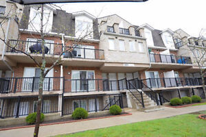 Gorgeous Harmony Village Stacked Townhouse 2 bedroom for rent