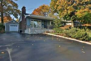 Beautifully Maintained Home - Bronte West in Oakville