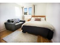 6 bedrooms in Lilburne Court 6, SW15 1EF, London, United Kingdom