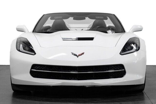 2015 White Chevrolet Corvette  2LT   C7 Corvette Photo 4