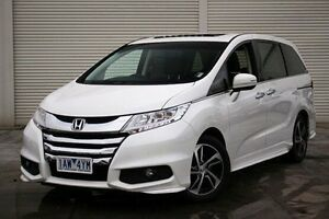 2014 Honda Odyssey RC MY14 VTi-L White 7 Speed Constant Variable Wagon Seaford Frankston Area Preview