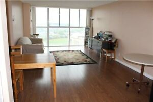 Gorgeous 2 B/R,2 Full W/R Condo At Hurontario/Trailwood Near SQ1