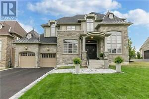 138 Carisbrooke Circ Aurora Ontario Great  Home for sale!