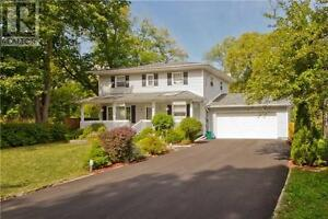 319 Ontario St Newmarket Ontario Beautiful House for sale!