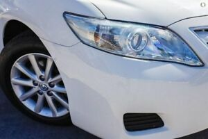 2011 Toyota Camry White Automatic Sedan