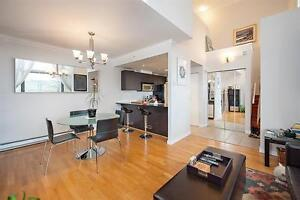 Beautiful one bedroom Loft style Townhome near Gilmore/Brentwood