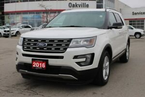 2016 Ford Explorer XLT w/Navigation, Panoramic Roof & Blind Spot