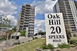 Meticulously Maintained 2 Bedroom + Large Den Oakville Condo
