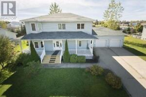 Family Home/2-Storey House in Oromocto
