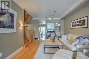 Gorgeous Luxury,3Beds,4Baths,28 ST LAWRENCE DR, Mississauga